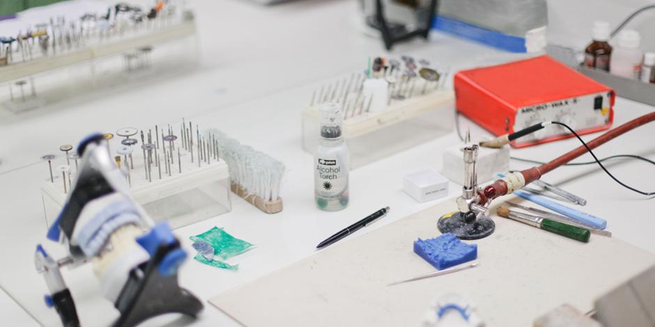 SLOTOSCH Dentaltechnik – Technik aus Meisterhand